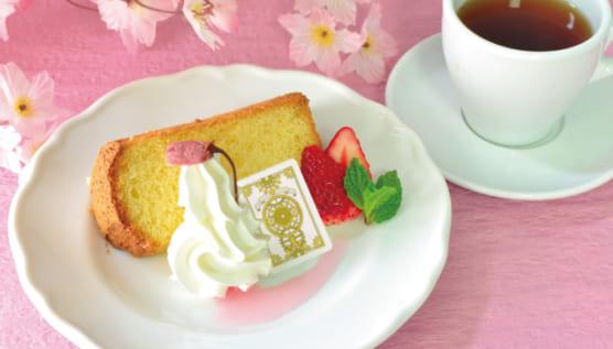 桜風味のシフォンケーキ